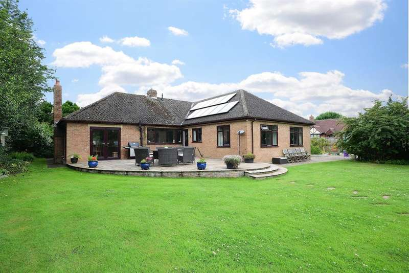 3 Bedrooms Detached House for sale in York Road, Thirsk, YO7 1DQ
