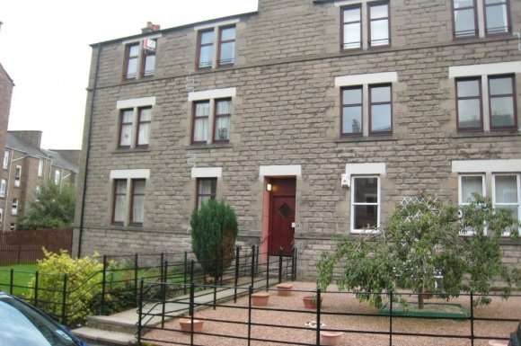 2 Bedrooms Flat for rent in Abbotsford Place, West End, Dundee, DD2