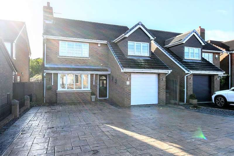 4 Bedrooms Detached House for sale in Oaks Wood Drive, Darton, Barnsley, S75 5PT