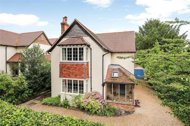 4 Bedrooms Detached House for sale in Cheriton Road, Winchester, Hampshire, SO22