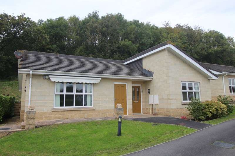 2 Bedrooms Bungalow for sale in Kenwith Castle Gardens, Abbotsham, Bideford, Devon, EX39