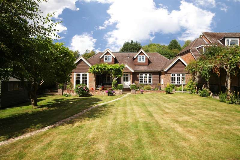 5 Bedrooms Detached House for sale in Top Street, Bolney, Haywards Heath