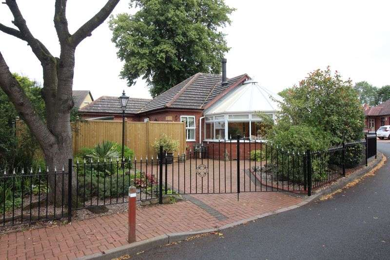 2 Bedrooms Property for sale in HIMLEY VILLAGE, Churns Hill Lane,