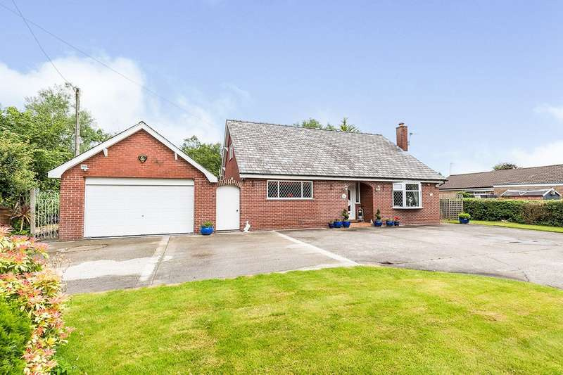 4 Bedrooms Detached Bungalow for sale in Nixon Lane, Leyland, PR26