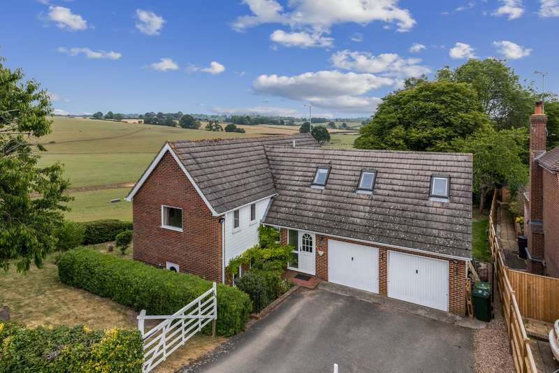 4 Bedrooms Detached House for sale in Rolvenden Hill, Rolvenden