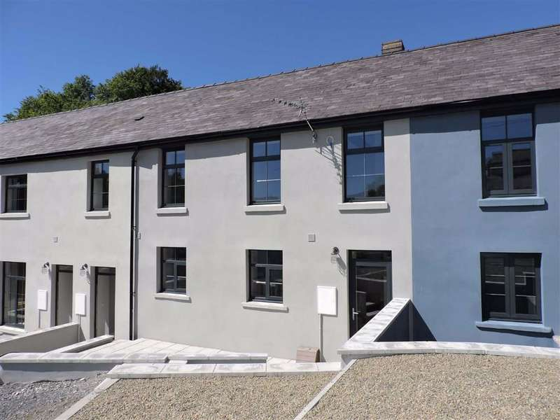 3 Bedrooms Cottage House for sale in Heol Cennen, Ffairfach, Llandeilo