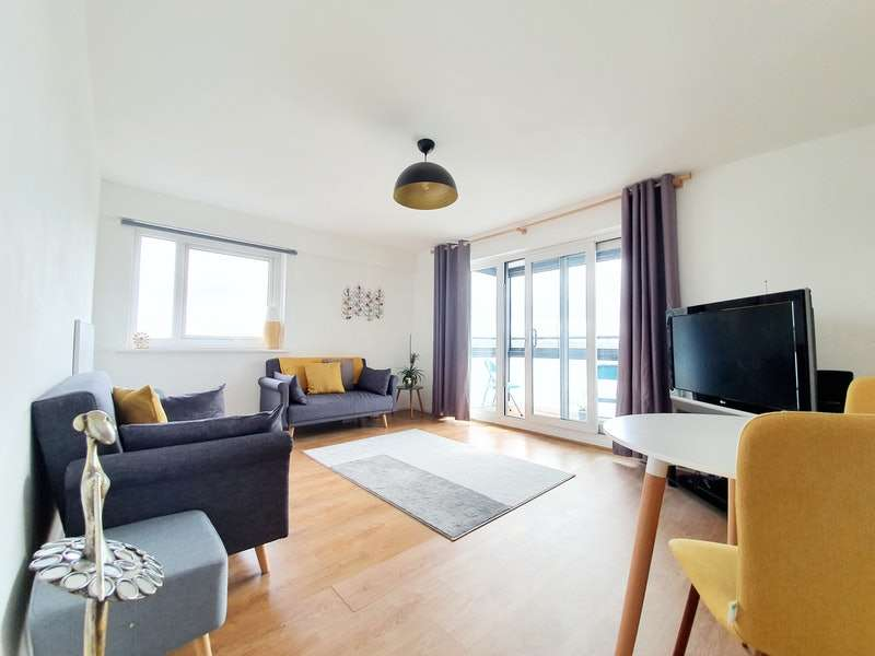 2 Bedrooms Flat for sale in St. Marys Road, Manchester, Greater Manchester, M30