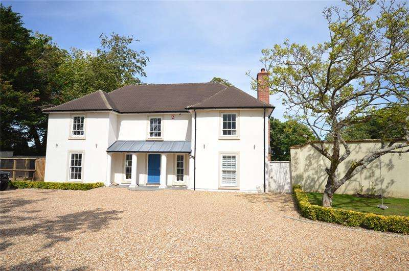 4 Bedrooms Equestrian Facility Character Property for sale in Barrows Lane, Sway, Lymington, Hampshire, SO41