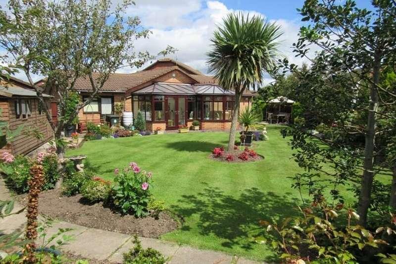 3 Bedrooms Detached Bungalow for sale in Norman Close, Great Sutton, Ellesmere Port, CH66
