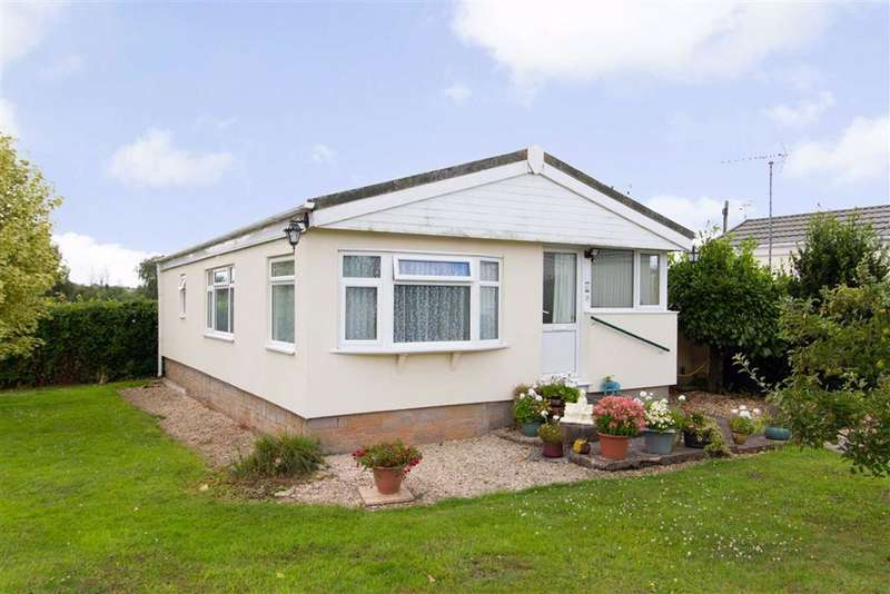 2 Bedrooms Bungalow for sale in Berkeley Vale Park, Hook Street, Berkeley, GL13