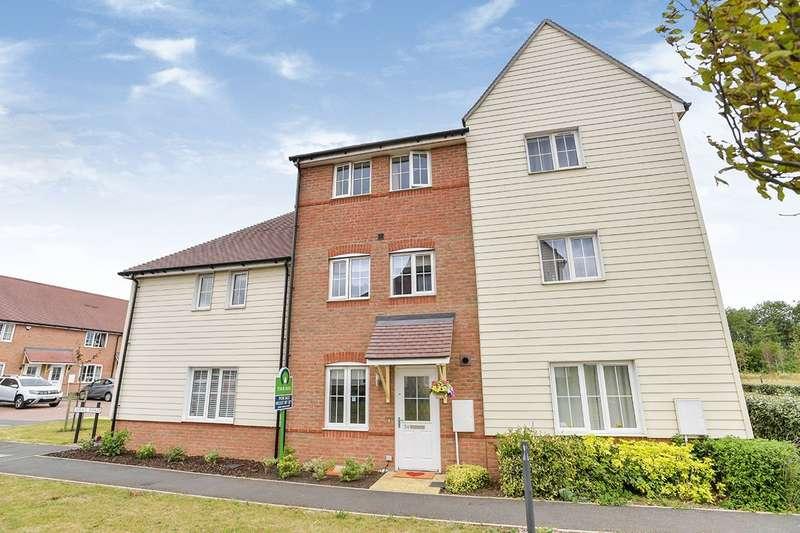 4 Bedrooms House for sale in Wilks Road, Dartford, Kent, DA2