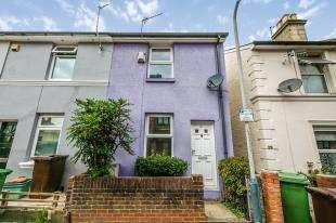 2 Bedrooms Terraced House for sale in Stanley Road, Tunbridge Wells, Kent, .