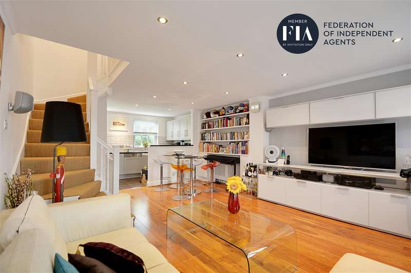 3 Bedrooms Town House for sale in Caxton Mews, The Butts, Brentford