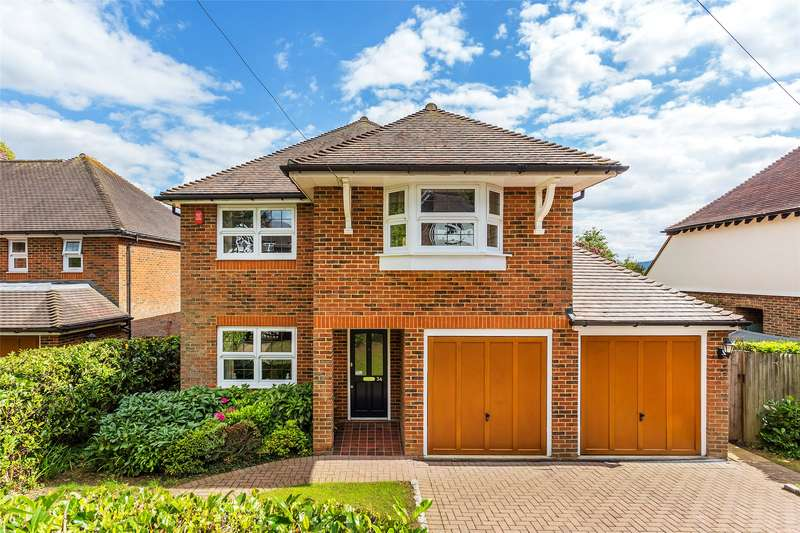 4 Bedrooms Detached House for sale in Yew Tree Road, Dorking, Surrey, RH4