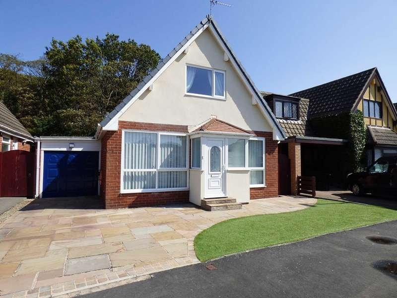 3 Bedrooms Detached House for sale in Forest Drive, South Park, Lytham