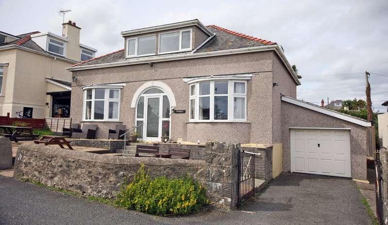 5 Bedrooms Detached Bungalow for sale in Amlwch Road, Benllech, Tyn-y-Gongl, Sir Ynys Mon, LL74
