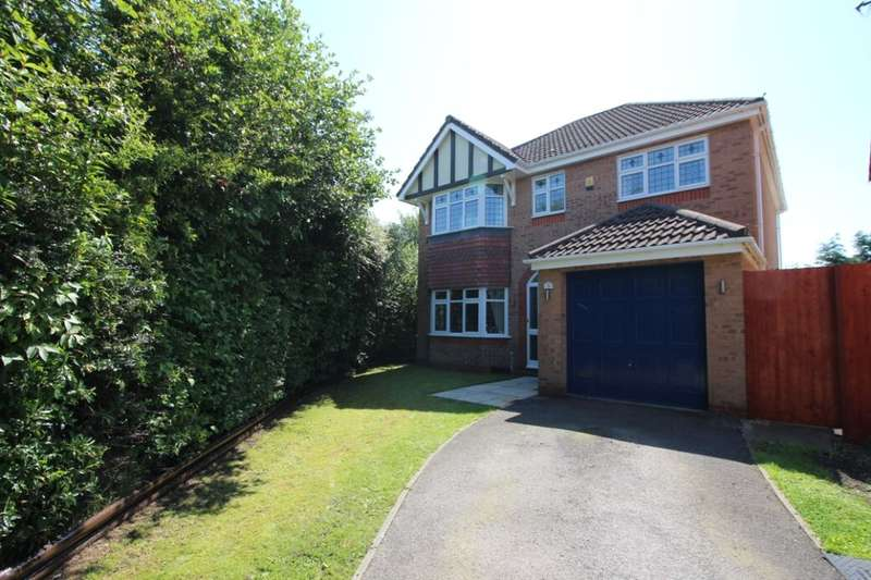 4 Bedrooms Detached House for sale in Solway Avenue, Blackburn, BB2