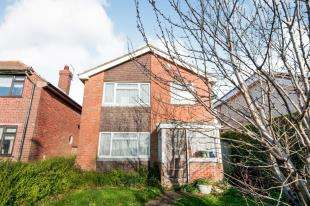 3 Bedrooms Detached House for sale in Avis Road, Newhaven, East Sussex