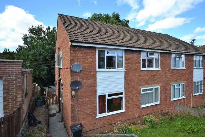 2 Bedrooms Maisonette Flat for sale in The Crescent, Tilsdown, Dursley, GL11 5QS