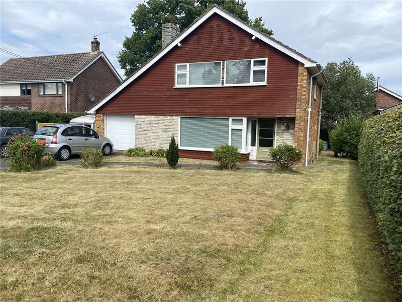 3 Bedrooms Detached House for sale in Brighton Road, Sway, Lymington, Hampshire, SO41