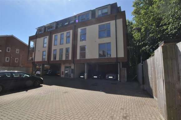 1 Bedroom Property for sale in Capswell Court, Hitchin