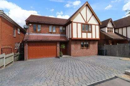 5 Bedrooms Detached House for sale in Hullbridge, Essex, .