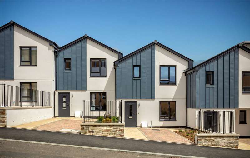 2 Bedrooms Retirement Property for sale in The Courtyard, Duporth, St. Austell, Cornwall