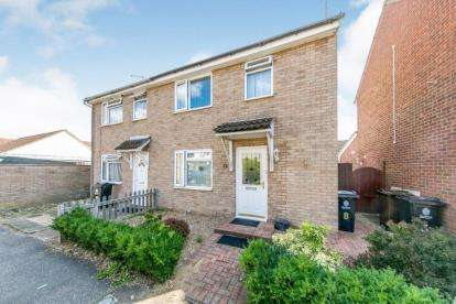 2 Bedrooms Semi Detached House for sale in Clacton On Sea, Essex