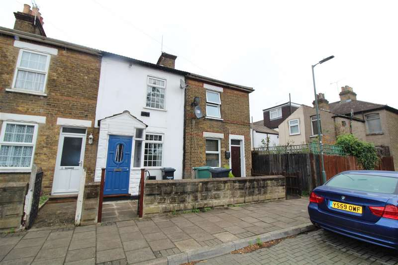3 Bedrooms Terraced House for rent in Kings Road, Waltham Cross