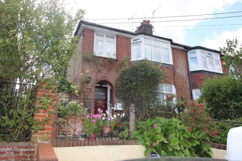 3 Bedrooms Semi Detached House for sale in Coggeshall Road, Kelvedon