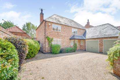 4 Bedrooms Detached House for sale in Mill Fields, Bassingham, Lincoln, Lincolnshire