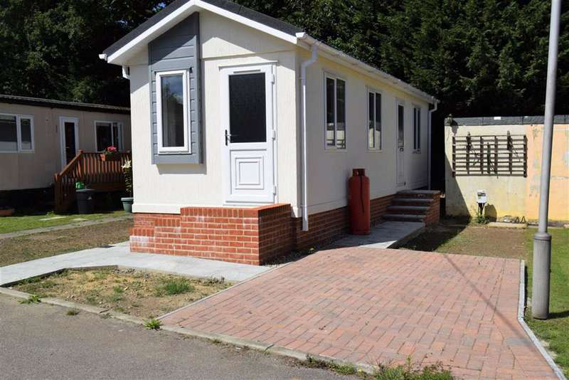 1 Bedroom Park Home Mobile Home for sale in East Hill Road