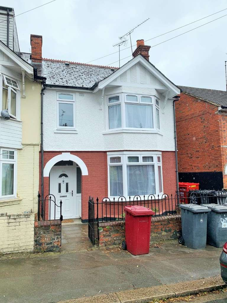 Property for rent in Highgrove Street, Reading RG1