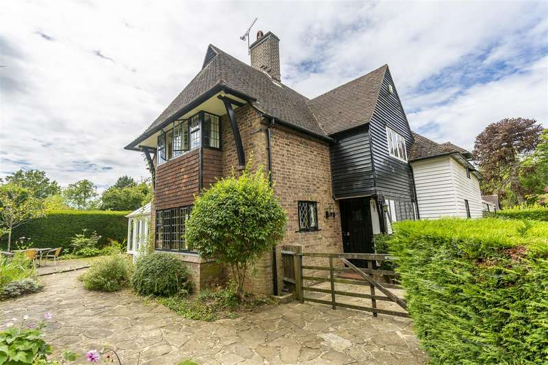 5 Bedrooms Detached House for sale in Bouverie Road, Chipstead, Coulsdon