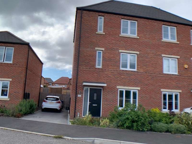 4 Bedrooms Semi Detached House for sale in Cygnet Drive, Mexborough, South Yorkshire, S64