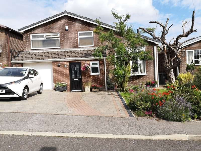 3 Bedrooms Detached House for sale in Hillside, Barnsley, South Yorkshire, S71