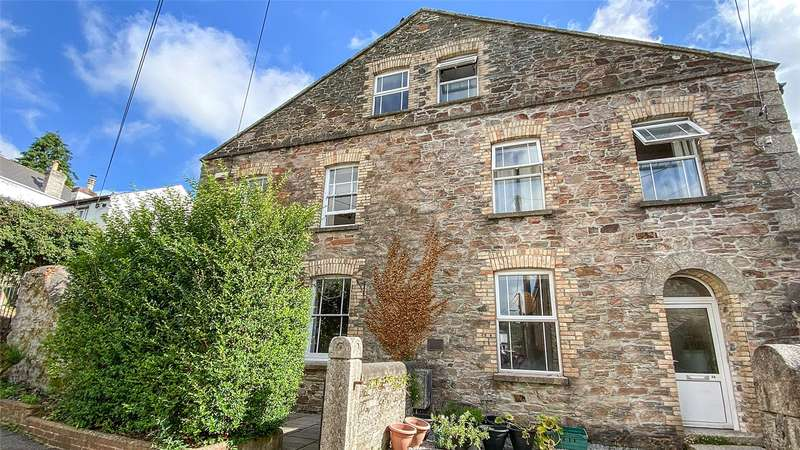 4 Bedrooms Semi Detached House for sale in King Street, Lostwithiel, Cornwall, PL22