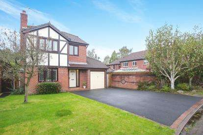 4 Bedrooms Detached House for sale in Hayfield Close, Tytherington, Macclesfield, Cheshire