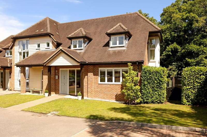 4 Bedrooms Semi Detached House for sale in The Kilns, Frith End, Binstead