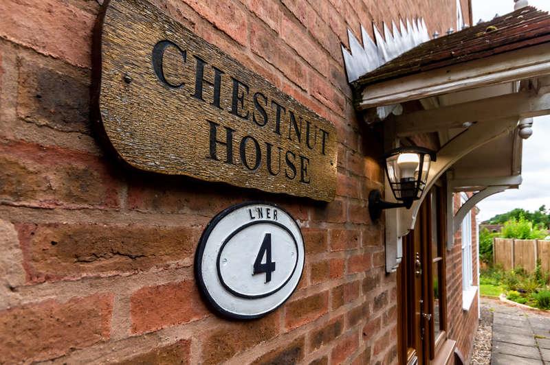 3 Bedrooms Detached House for sale in Venus Bank, Bewdley