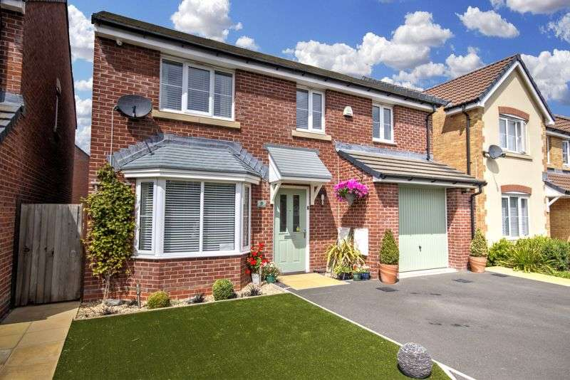 4 Bedrooms Property for sale in Carnegie Close, Newport