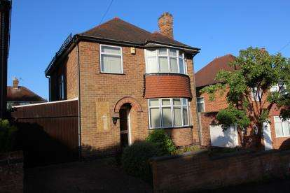 3 Bedrooms Detached House for sale in Kingswell Road, Arnold, Nottingham, Nottinghamshire