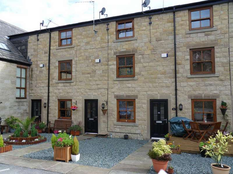 3 Bedrooms Town House for sale in St Pauls Court, Crow Lane, Ramsbottom