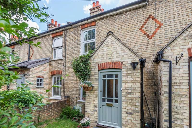 3 Bedrooms Terraced House for sale in Chalkdell Path, Hitchin, SG5