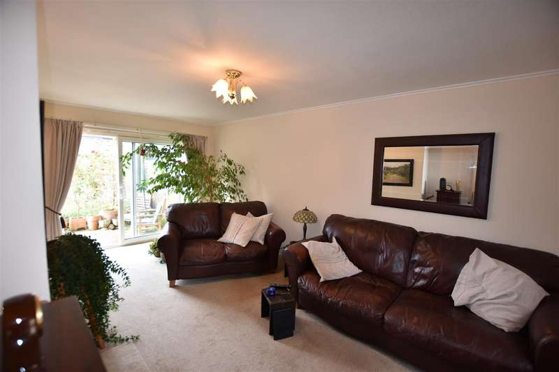 2 Bedrooms Terraced House for sale in Park Mead, Harlow