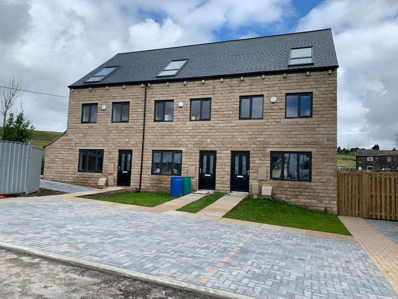 4 Bedrooms Town House for sale in NEW - Higher Pastures, Huddersfield Road, Scouthead, Saddleworth, OL4 4AS