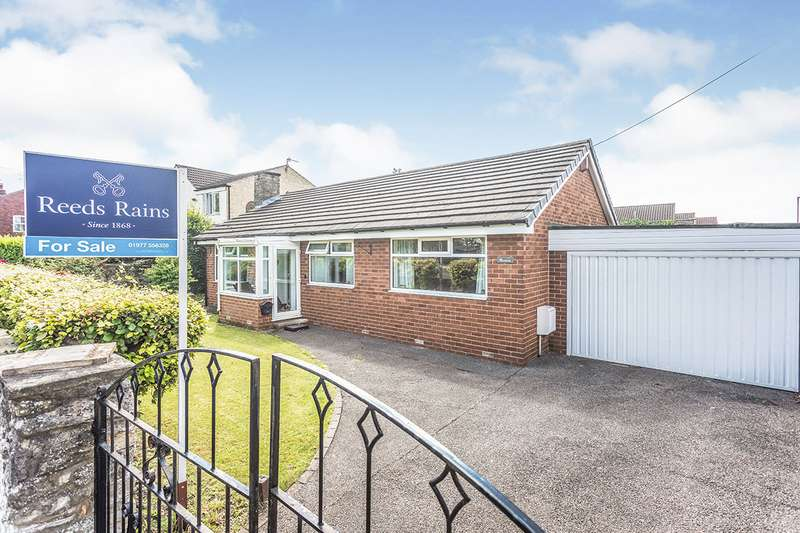 3 Bedrooms Detached Bungalow for sale in Great North Road, Fairburn, Knottingley, North Yorkshire, WF11
