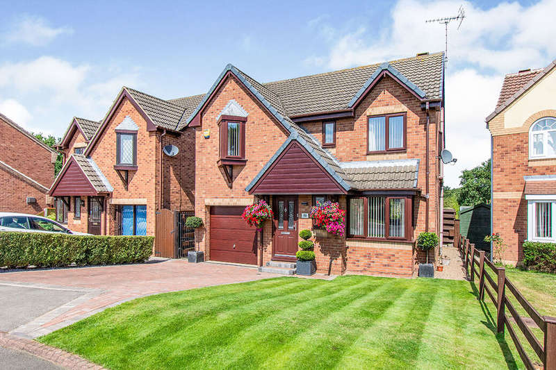 4 Bedrooms Detached House for sale in Parkland Walk, Blaxton, DN9