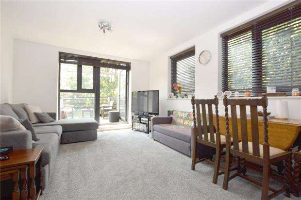 2 Bedrooms Apartment Flat for sale in Upper Chase, Chelmsford, Essex