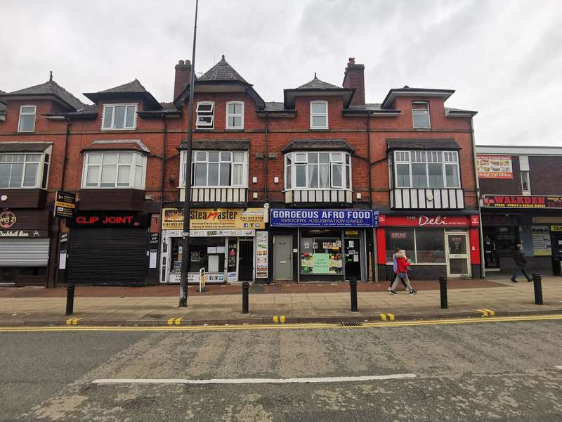 4 Bedrooms Terraced House for sale in Bolton Road, Salford, M28 3AX